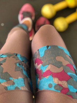 Legging Nude Com Estampa Camuflada Turquesa Com Uva Trilobal Brilho